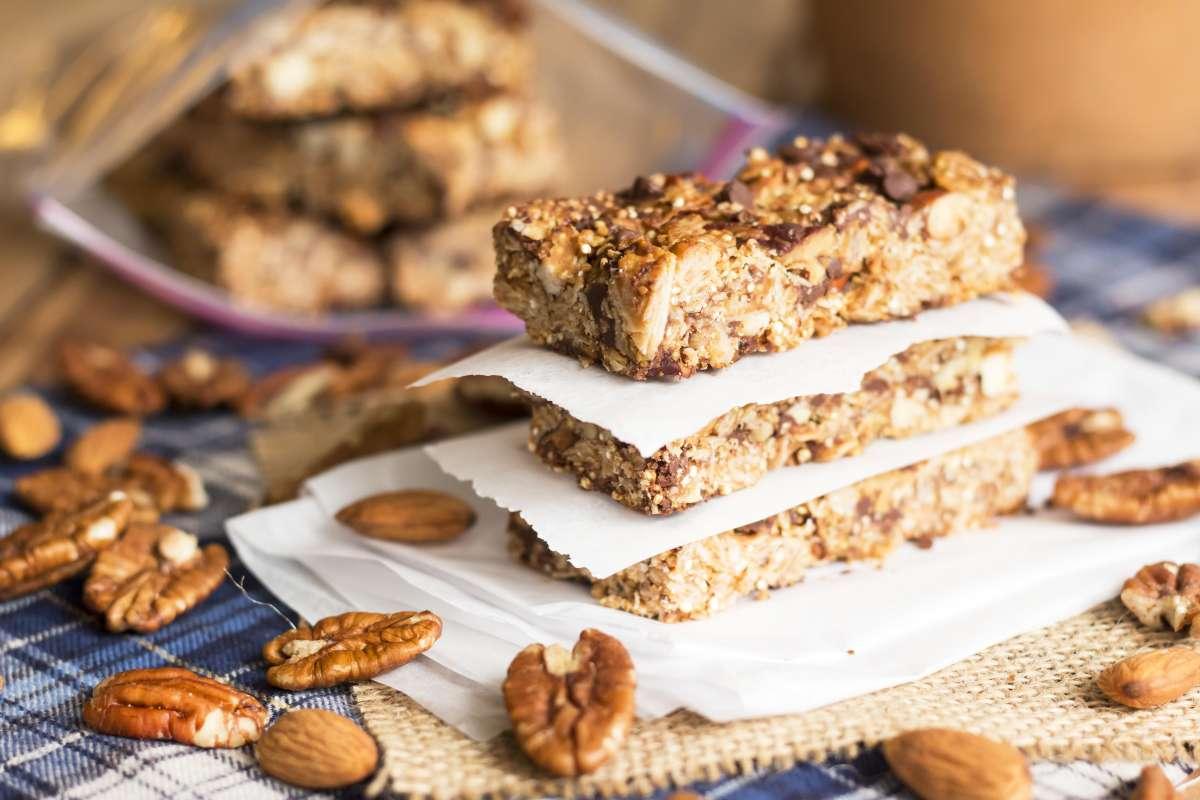 Nutty Oatmeal Quinoa Granola Bars | Gluten Free with L.B.