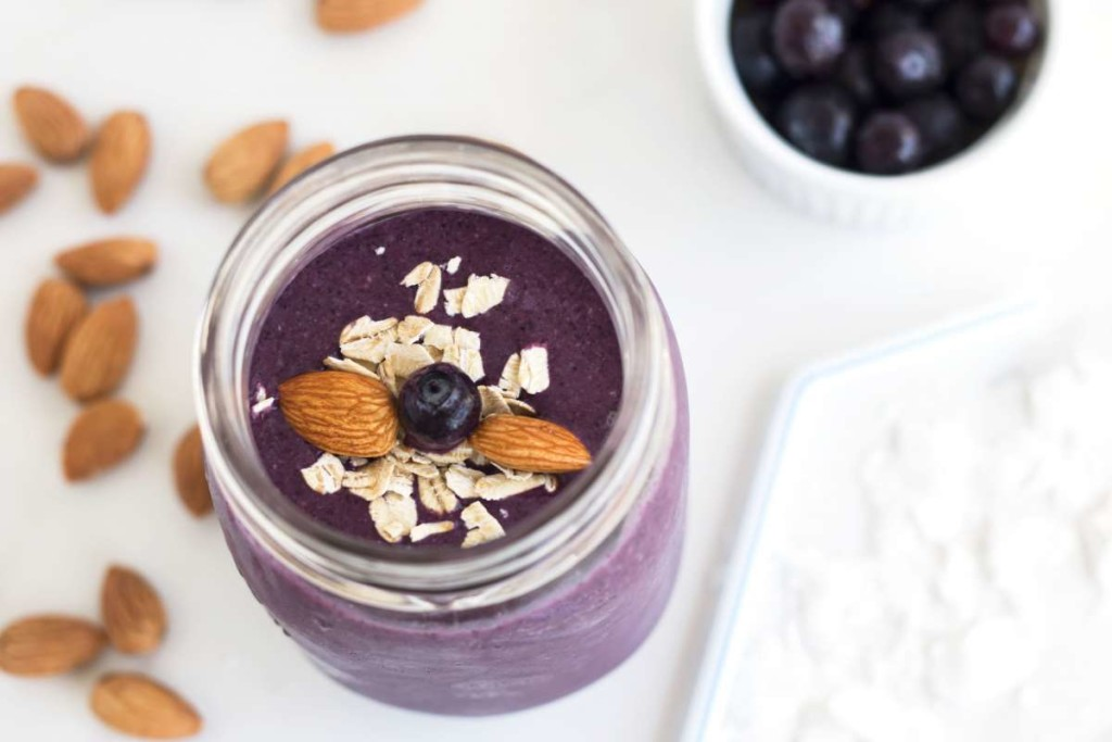 Blueberry Oatmeal Smoothie | Gluten Free with L.B.