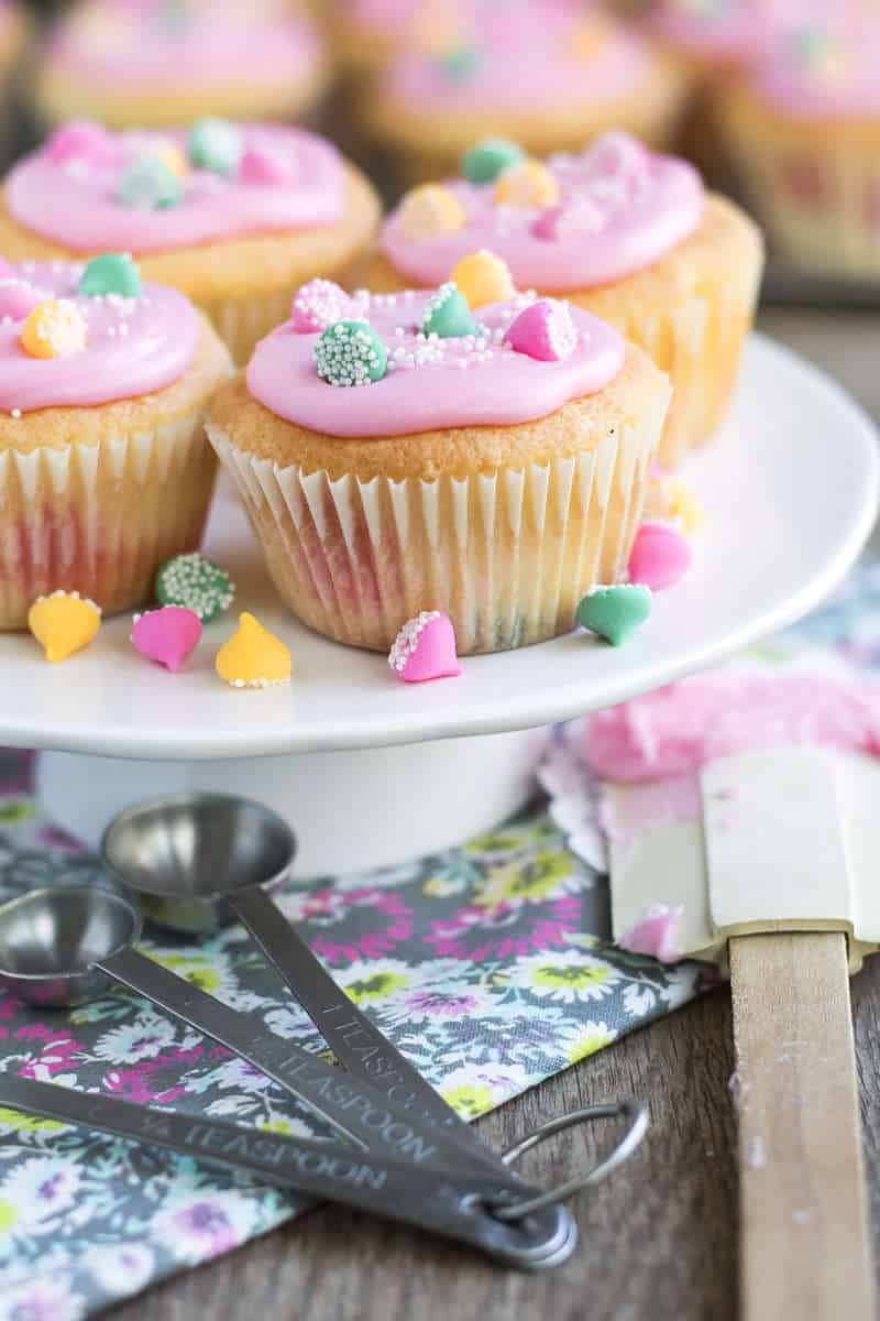 Mint Chip Easter Cupcakes