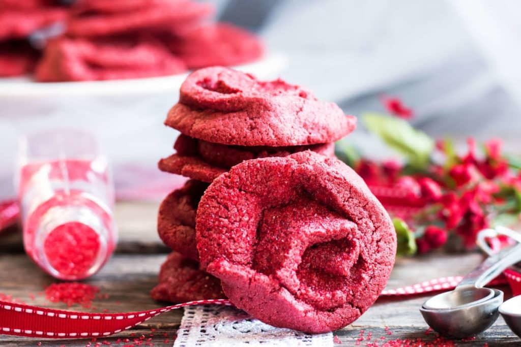 (The Bachelor) Red Velvet Rose Cookies {Video}