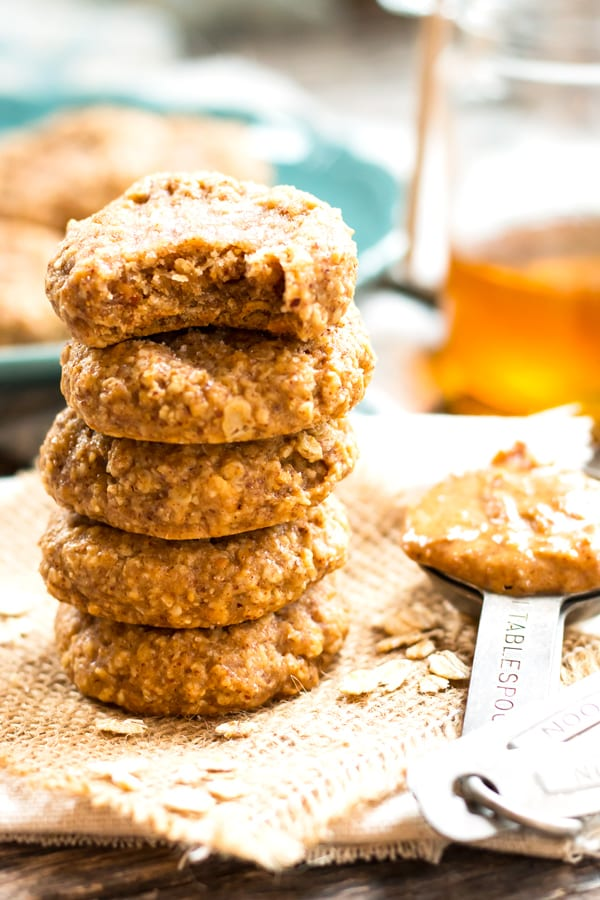 Almond Butter Oatmeal Cookies with Only 4 Ingredients