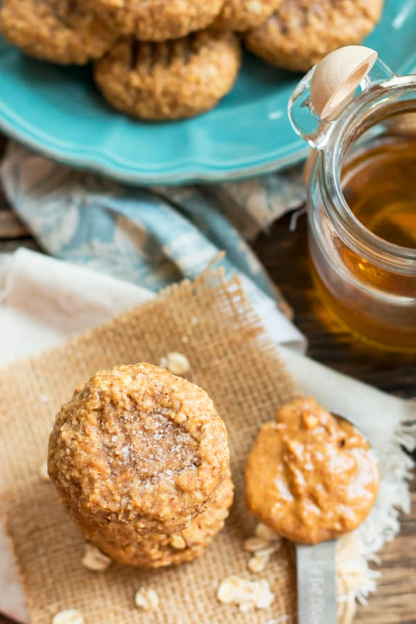 Gluen-free, healthy oatmeal cookies with almond butter ready to eat for dessert.