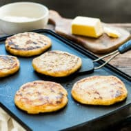 How to Make Arepas | This classic Venezuelan sandwich is made from instant corn flour and makes a yummy gluten-free and vegetarian alternative to bread!