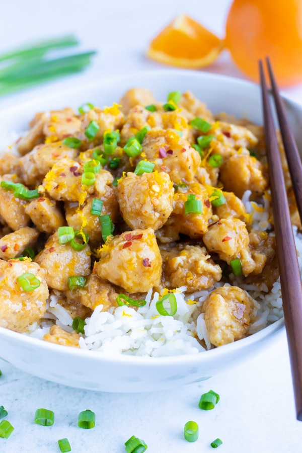 A Chinese Orange Chicken recipe that is made healthy, gluten-free, and Paleo for a 30-minute dinner.
