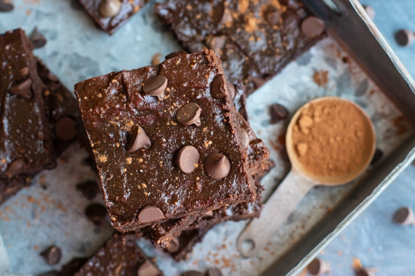 Homemade Paleo Brownies with Chocolate Chips | These healthy and easy brownies are made from scratch and are the best gluten-free, dairy-free fudgy brownie recipe!