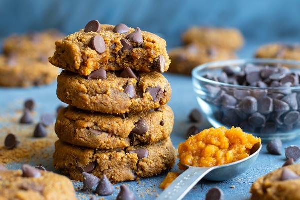 Pumpkin chocolate chip cookie recipe with pumpkin puree and dark chocolate chips.