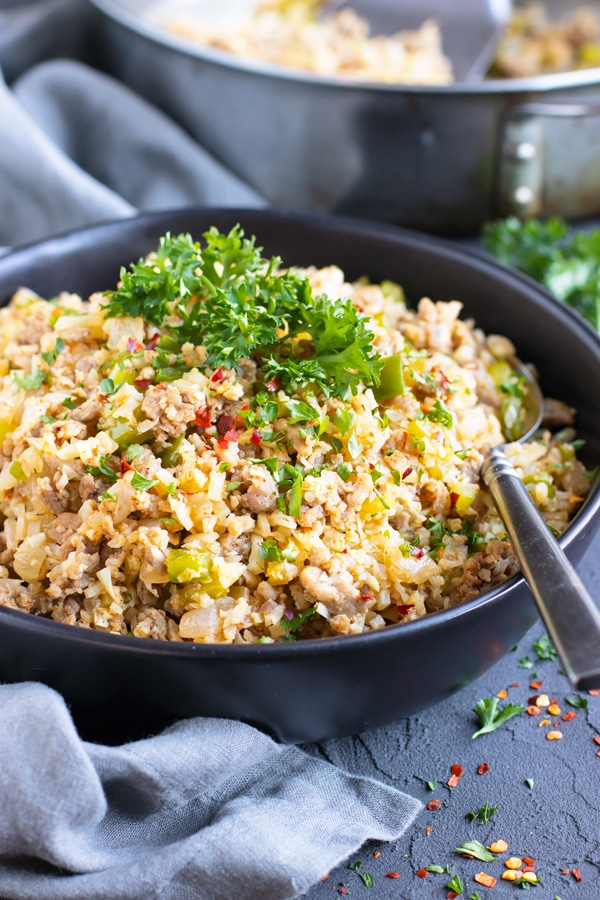 A low-carb and keto cauliflower rice Cajun and creole recipe.