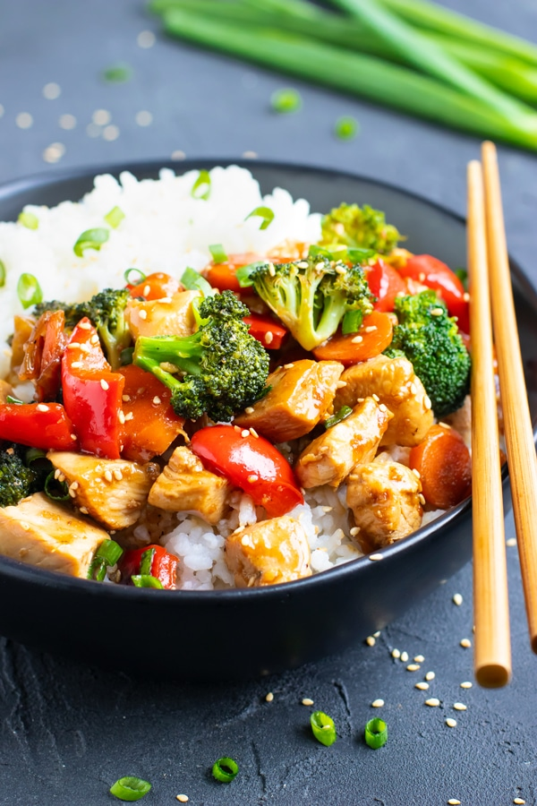 The best teriyaki chicken bowl with vegetables and white rice.