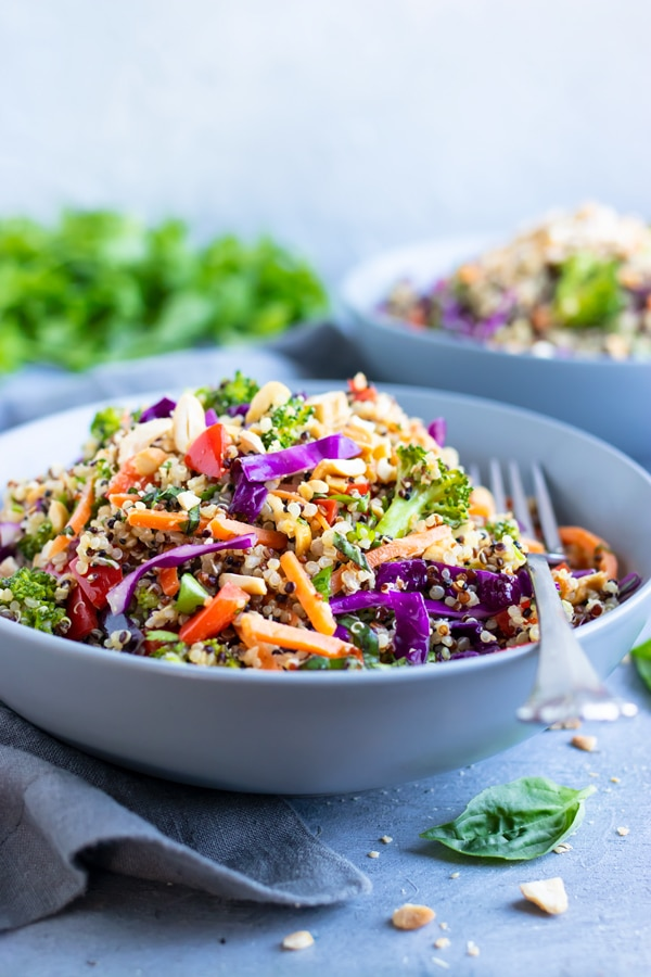 A salad bowl full of Thai-style quinoa that is easy to prepare.