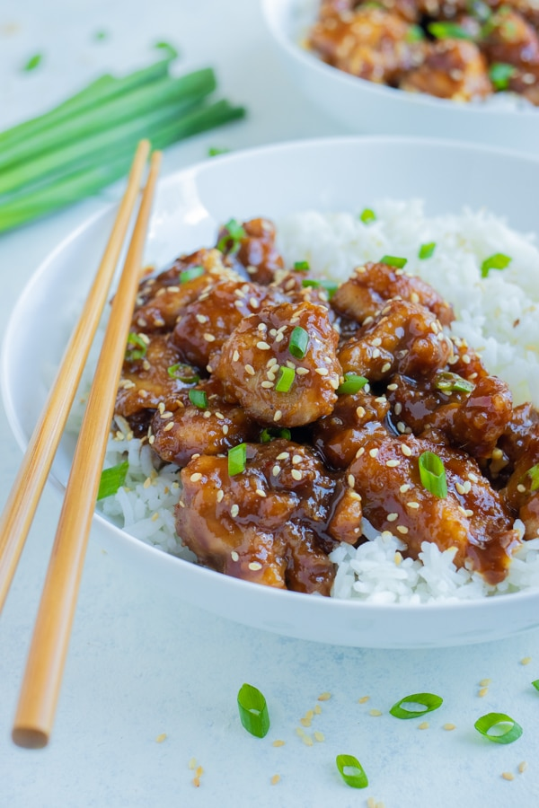 A plate is used to serve this easy General Tso's Chicken recipe.