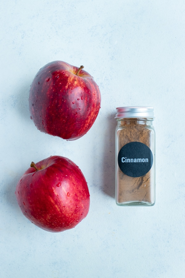 Apples and cinnamon are the ingredients used for this simple recipe.